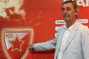 svetislav pesic 300x200 Pešić:Voleo bih da ostanem u Zvezdi još godinu dana